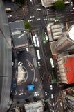 Weergeven van boven het kijken neer op straten en daken stock afbeelding