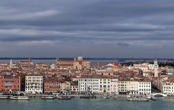 Weergeven van Castello-district vanaf de bovenkant van belltower van de kerk van San Giorgio Maggiore In Veneti? stock foto