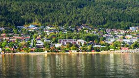 Weergeven van centraal gebied in Molde, Noorwegen tijdens de zonnige dag stock footage