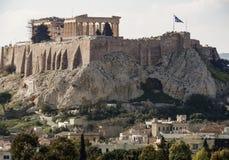 Weergeven van de Akropolis en Parthenon op een zonnige dag in de stad van Athene, Griekenland stock afbeelding
