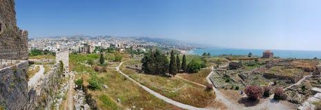 Weergeven van de archeologische uitgravingen van Byblos van het Kruisvaarderkasteel Byblos, Libanon stock fotografie