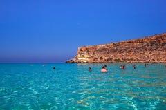 Weergeven van de beroemdste overzeese plaats van Lampedusa, Spiaggia-deiconigli royalty-vrije stock afbeeldingen