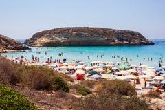 Weergeven van de beroemdste overzeese plaats van Lampedusa, Spiaggia-deiconigli stock afbeelding
