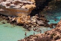 Weergeven van de beroemdste overzeese plaats van Lampedusa, Spiaggia-deiconigli royalty-vrije stock afbeelding