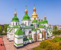 Weergeven van de Kathedraal van Heilige Sophia van de Klokketoren kiev ukraine stock foto's