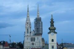 Weergeven van de Kathedraal van Zagreb, Kroatië stock afbeeldingen