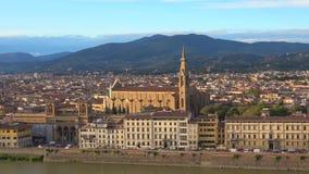 Weergeven van de Kerk van Heilig dwarsbasiliekdi Santa Croce Florence, Italië stock videobeelden