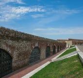 Weergeven van de muur van Kazan het Kremlin van binnenuit in Kazan, Rusland stock afbeelding