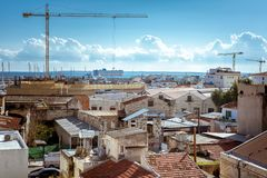 Weergeven van de Oude haven en Limassol kustlijn cyprus royalty-vrije stock foto