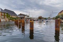Weergeven van de oude stad van Kopenhagen van kanaal, Denemarken stock foto's