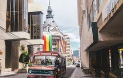 Weergeven van de straat Ayacucho in La Paz stock afbeelding