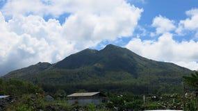 Weergeven van de vulkanische caldera van Batur, in het Kintamani-berggebied stock foto