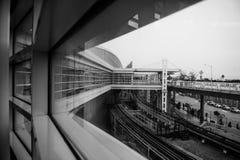 Weergeven van een venster in de Hazenluchthaven van Chicago O ' royalty-vrije stock afbeeldingen