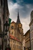 Weergeven van gebouwen in Praag stock foto