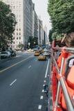 Weergeven van het Central Parkwesten van toeristenbus, New York, de V.S. royalty-vrije stock fotografie
