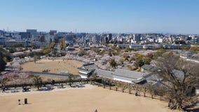 Weergeven van het kasteel van Himeji vanaf de bovenkant