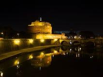 Weergeven van het Kasteel van Sant 'Angelo op Tiber stock foto