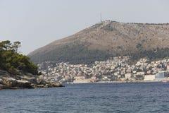Weergeven van het overzees van Dubrovnik-stad in Kroatië stock afbeelding