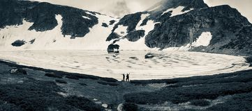 Weergeven van het Scheurmeer, Rila-Berg, de Zeven Rila-Meren, Bulgarije royalty-vrije stock foto's