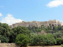 Weergeven van onderaan de Akropolis stock afbeeldingen