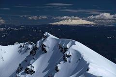 Weergeven van Onderstel Regenachtiger van de Top van Onderstelheilige Helens in de winter royalty-vrije stock afbeeldingen