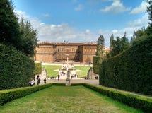 Weergeven van Palazzo Pittli van Boboli-tuinen, Florence stock fotografie