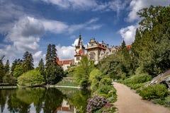 Weergeven van Pruhonice-Kasteel Tsjechische Republiek royalty-vrije stock afbeelding