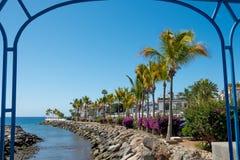 Weergeven van Puerto DE Mogan traditioneel Spaans dorp in de Canarische Eilanden van Gran met kanaal anfd palmen op een zonnige d royalty-vrije stock afbeelding