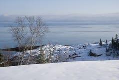 Weergeven van St Lawrence Estuary in de winter in Canada royalty-vrije stock fotografie