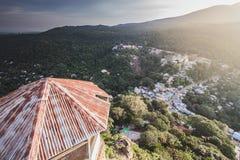 Weergeven vanaf de bovenkant van landschap van berg stock afbeeldingen