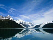 Weerspiegelende gletsjers van Prins William Sound in Alaska Stock Afbeeldingen