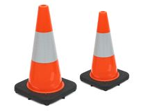 Weerspiegelende verkeerskegels stock afbeelding