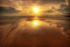 Weerspiegelingen van zonsondergang Stock Foto's
