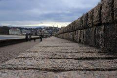 Weg aan 'Peine DE los vientos' in San Sebastian Description: Weg aan 'Peine DE los vientos' in San Sebastian stock foto's