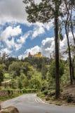 Weg aan cio Nacional DA Pena van Palà ¡ in Sintra stock afbeeldingen