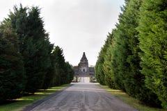 Weg aan de begraafplaats Stock Fotografie