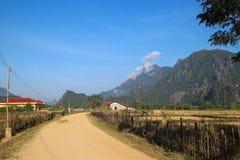 Weg aan de blauwe lagune in Laos Stock Foto