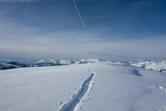 Weg aan de horizon. Davos Stock Fotografie
