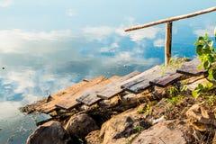 Weg aan het water Stock Foto's