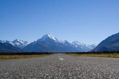 Weg aan Mt. Cook stock afbeeldingen