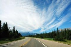 Weg aan rotsachtige bergen Stock Foto's
