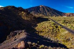 Weg aan vulkaan Teide Royalty-vrije Stock Foto