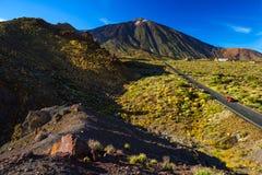 Weg aan vulkaan Teide in Tenerife Royalty-vrije Stock Foto