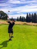 Weg abzweigen am Golfplatz Stockbild