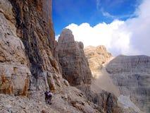 Weg Alfredo Benini in de Brenta-Dolomietbergen in Italië Royalty-vrije Stock Foto's