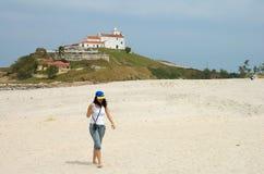 Weg auf dem Strand stockbilder