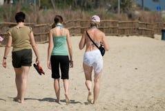 Weg auf dem Strand Stockfotos