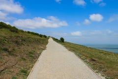 Weg auf Steigung, weiße Klippen von Devon lizenzfreie stockfotos
