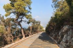 Weg bergaf op de rand van de Rotsklip, Gibraltar stock fotografie