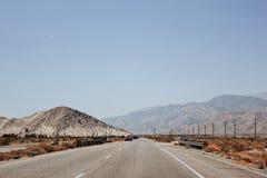 Weg bij de Woestijn Royalty-vrije Stock Afbeeldingen